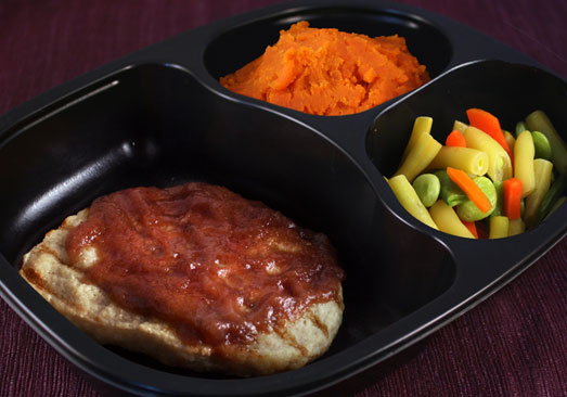 Chicken Fillet with Cumberland Sauce, Mashed Sweet Potatoes, Green Bean Medley - Individual Meal