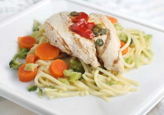 Grilled Chicken Breast Over Spaghetti With Broccoli, Carrots And Red Peppers - Individual Meal