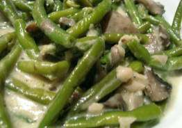 French Green Beans with Mushrooms and Cream Sauce