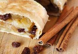 U-Bake Apple-Raisin Strudel