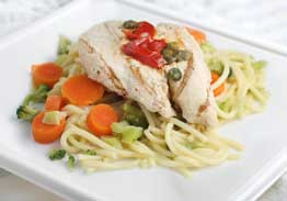 Grilled Chicken Breast Over Spaghetti With Broccoli, Carrots & Red Peppers - Individual Meal